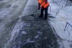 Агалакова-68-очистка-пешеходного-тротуара-под-скребок